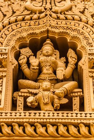 A sculpture of the Hindu God Vishnu at the temple of Srikantheswara in Nanjangud, South India. Standard-Bild