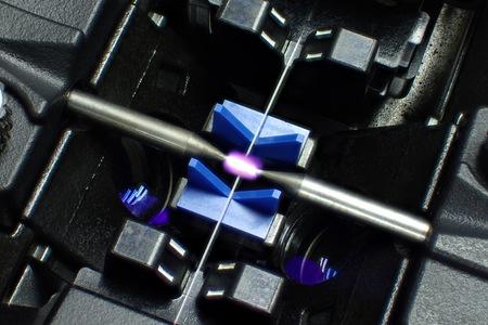Das Foto von Fusion Splicer Faseroptik. Standard-Bild