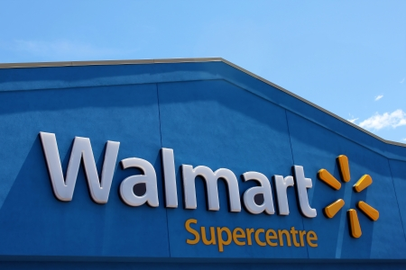 walmart: Walmart signo Supercentre Editorial