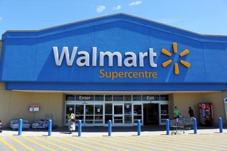 Walmart Supercentre entrance 報道画像
