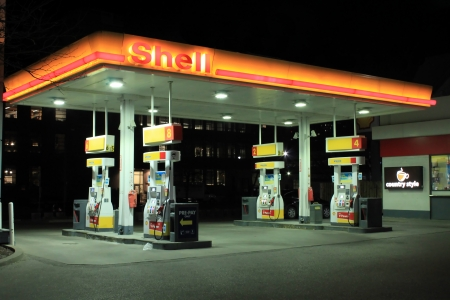 Shell gas station Éditoriale