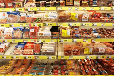 Processed meats in a grocery store 에디토리얼