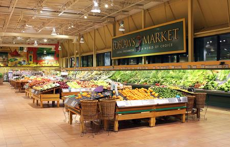 토론토, 온타리오, 캐나다에서 로블로 우스 슈퍼마켓
