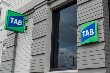 Ararat, Australia - 21 de octubre de 2017: el TAB es un negocio de juegos operado por Tabcorp Holdings. Este TAB está ubicado en Ararat RSL. Foto de archivo - 89389113