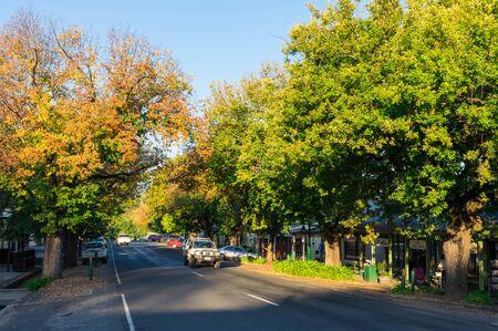 Yackandandah, Australia - April 30, 2018: High Street is the main street in Yackandandah, a small tourist town in Shire of Indigo in north-eastern Victoria. 報道画像