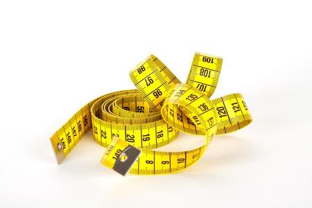 gelben Maßband mit Skala in Zentimetern
