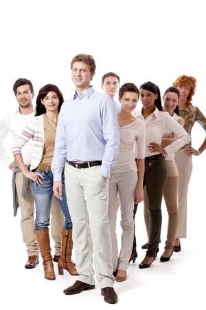 ropa casual: gente de negocios feliz grupo equipo junto aislado sobre fondo blanco