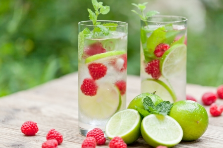 fresh cold drink water ice cubes peppermint lime raspberry outdoor summer