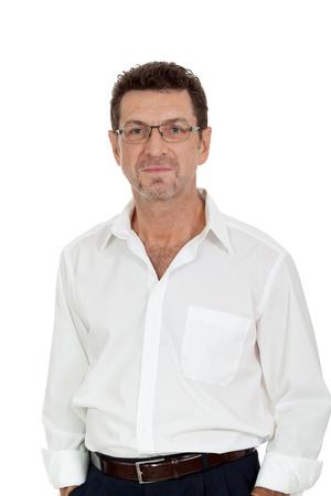 succesvolle zelfverzekerd glimlachende volwassen zakenman geïsoleerd op wit Stockfoto
