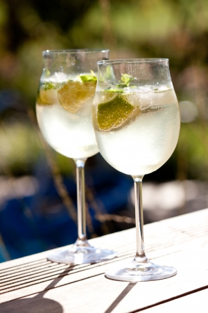 hugo prosecco elderflower soda ice summer drinks photo