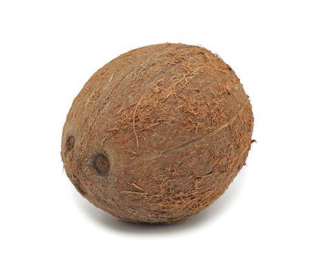 noix de coco: Noix de coco, isol� sur un fond blanc