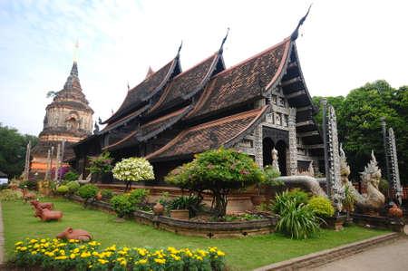 molee:  Wat Lok Molee,temple in chiangmai,Thailand