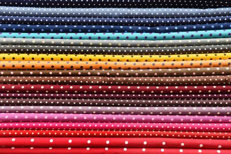 polka dot fabric: Colorful tessuto a pois per lo sfondo Archivio Fotografico