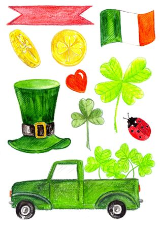 set fo saint patrick day, green car,hat, clover leaves, irland flag,ladybird, heart, coins. Archivio Fotografico - 138109016