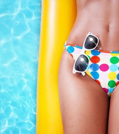бассейн: Летняя расслабиться в бассейне Фото со стока