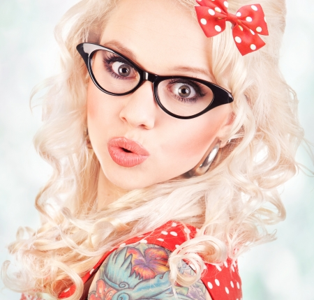 funny glasses: Pretty pin up girl