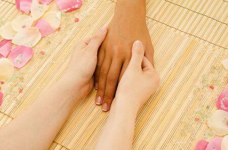 acupressure: Hand massage