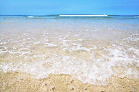 mar y cielo azul Foto de archivo