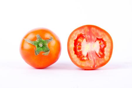 赤いトマトは健康で、栄養価の高い野菜であります。 写真素材