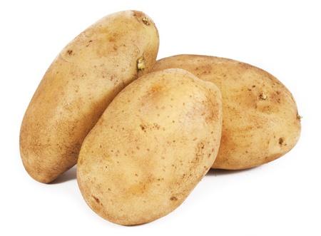 raw potato: Potatoes isolated on a white background