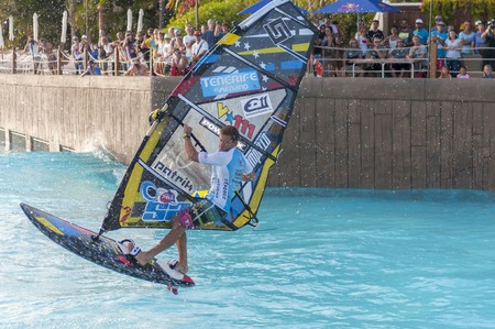 wind surf: Sesi�n de Windsurf en el parque Siam PWA2014 Tenerife