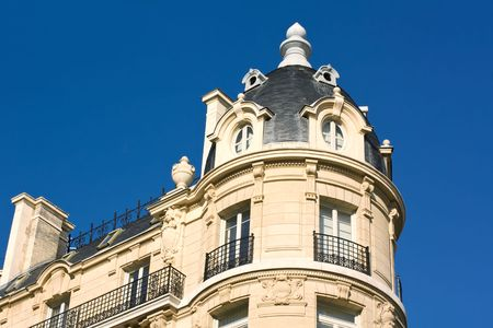 Elegant Building In Paris And Blue Sky Stock Photo - 6389483