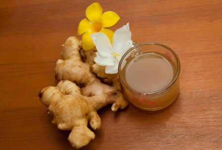 ale: ginger ale and jasmin flower Stock Photo