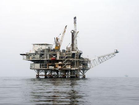 recursos naturales: Plataforma de perforaci�n de petr�leo