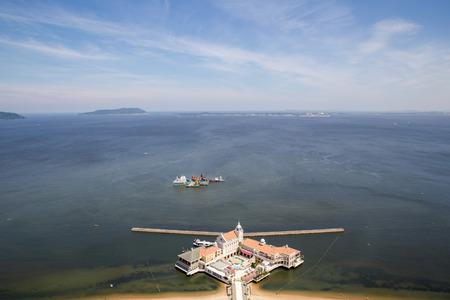 Vue sur la ville japonaise de Fukuoka à partir du pont d'observation de la tour Fukuoka Banque d'images - 62157407