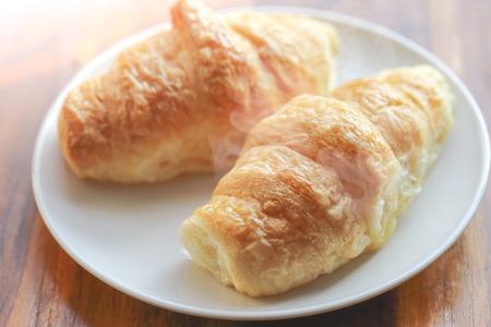 Croissants frais croustillants Hot Banque d'images - 62157466