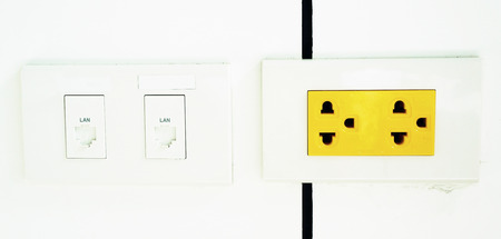 outage: electrical outlet, yellow color is a sign that if the arbitrary power outage, has the power flow throughout machine at any time.