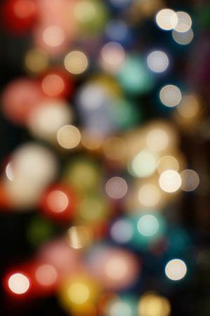 Luz de la noche de reflexión de la luz brillante para convertirse en hermosas luces de colores. Foto de archivo
