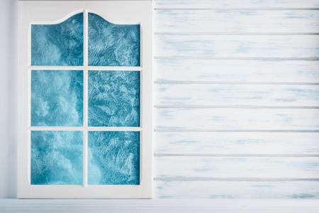 白い木の壁とすりガラスの窓の背景
