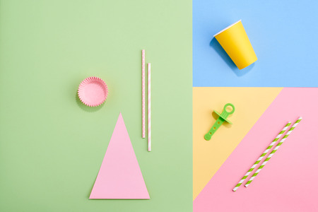 Summer party concept on colorful pastel design graphic background Zdjęcie Seryjne