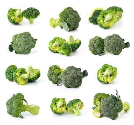 brocoli: brócoli aisladas sobre fondo blanco
