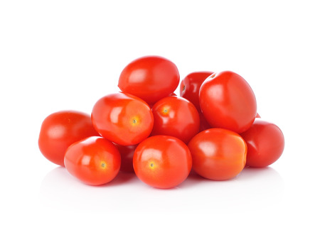 tomates: tomates cerises isolé sur fond blanc. Banque d'images