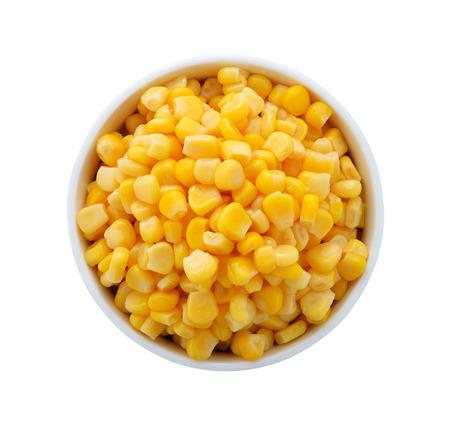 mazorca de maiz: de maíz en un recipiente sobre un fondo blanco