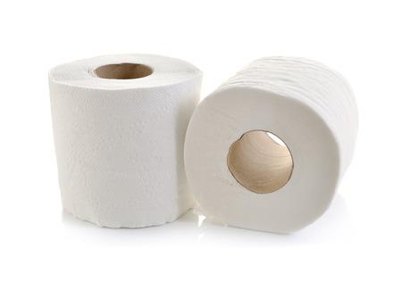 白で隔離されトイレット ペーパー