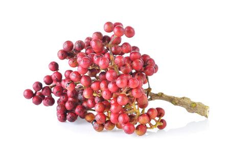 四川唐辛子 (サンショウ)、白い背景に対して隔離される果物