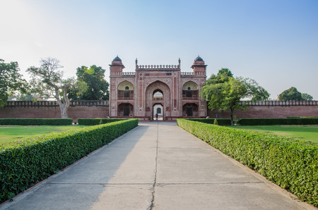 mughal empire: The outside of the way to strong red fort, India Stock Photo