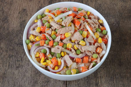 Tuna salad with vegetables close up.Homemade meal for good health and weight loss Archivio Fotografico