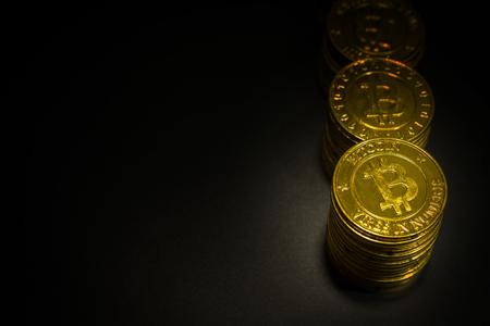 黄金 Bitcoins 仮想通貨コイン イメージのアイデアの背景など