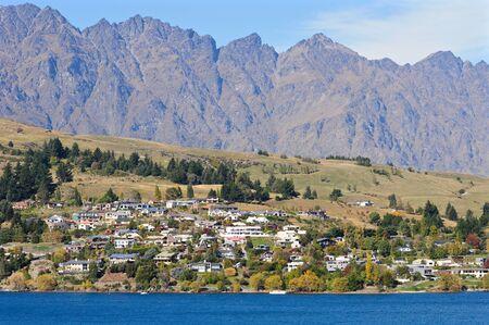 wakatipu: Queenstown by lake Wakatipu, New Zealand
