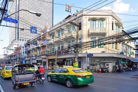 krung: Charoen Krung Road is the oldest road in Bangkok. Nowadays, there is busy traffic all day long. Editorial
