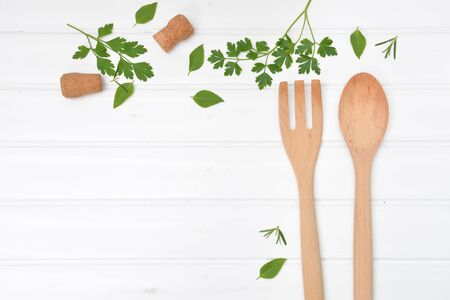 Cooking background with wooden fork and spoon from top view Banque d'images