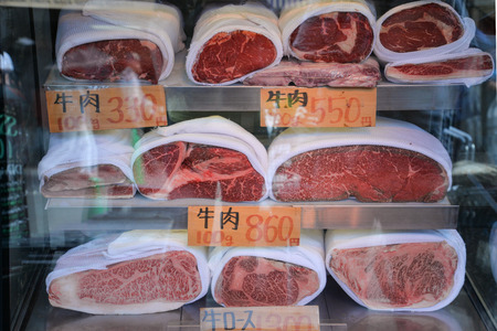 Tokyo, Japan - May 16, 2017: Variety of beef are sold along the street at Tsukiji fish market, Tokyo, Japan Éditoriale