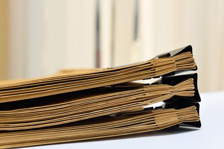 documentos: una carpeta con documentos y documentos importantes
