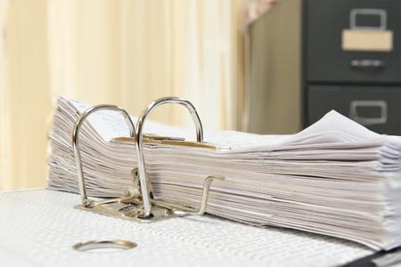 Un dossier avec des documents et des documents importants Banque d'images - 45766659