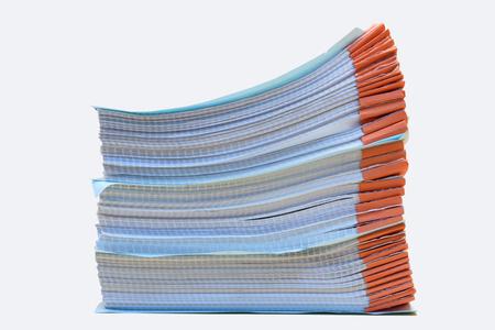 een map met documenten en belangrijk document, geïsoleerde achtergrond