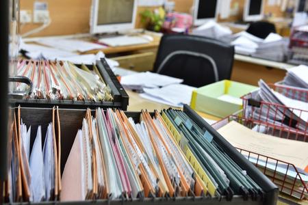 Messy documenten in het kantoor